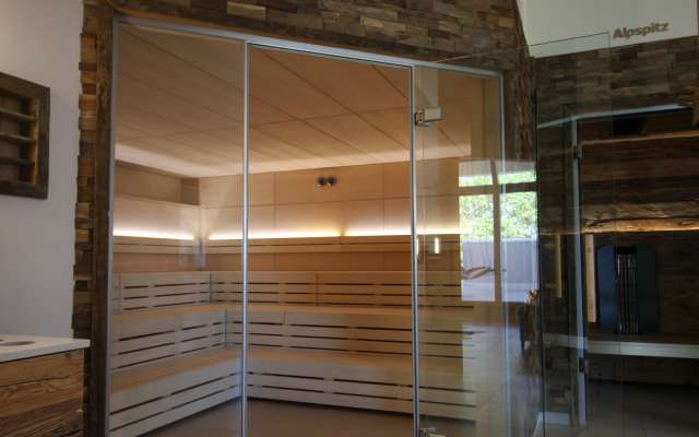 Wellness-Oase und Bau von Saunalandschaft für Therme- und Erlebnisbad: WellnessDesign bietet Neukonzeption, Sanierung und Restaurierung