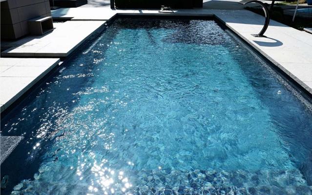 Entspannung und Erholung zu hause im eigenen Innen- oder Außenpool, Whirlpool, Jacuzzi, Whirlwanne, oder auch einem Tauchbecken.I