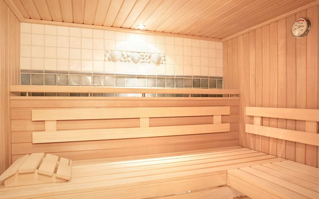 kleine sauna fr zu hause perfect die neuen heimsaunen geometrisch sauna comfort von helo with. Black Bedroom Furniture Sets. Home Design Ideas