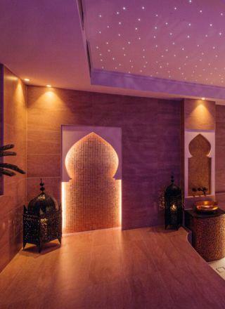 Hamam,  Türkisches Bad/ Rasulbad: Wellness mit Waschzeremonie, heissem Stein und türkischer Sauna.
