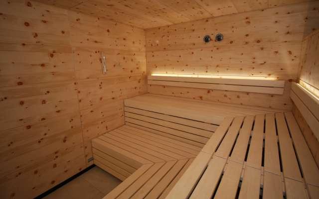 kleinsre Sauna